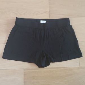 NWOT LOFT Black Shorts - size Medium